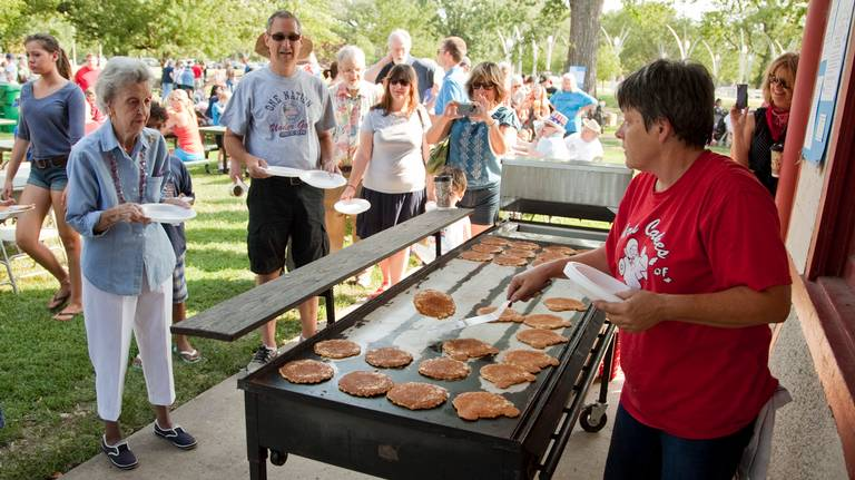 What happened to Chris Cakes? Popular Wichita pancake flipper has recently disappeared